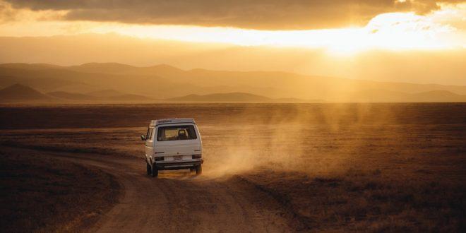 Voyage en van dans le désert